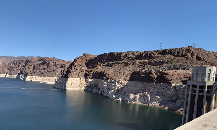 Одно из инженерных чудес света - плотина Гувера