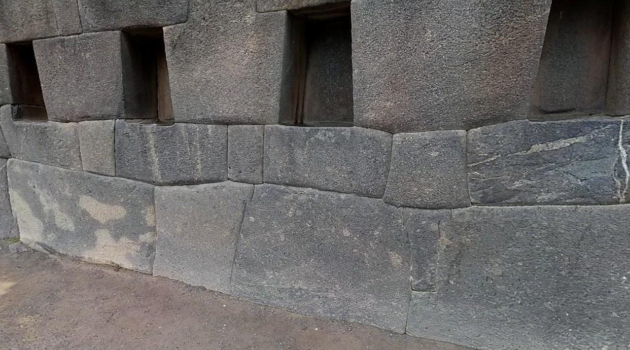 Похожие на гигантские ступени великанов - террасы инков