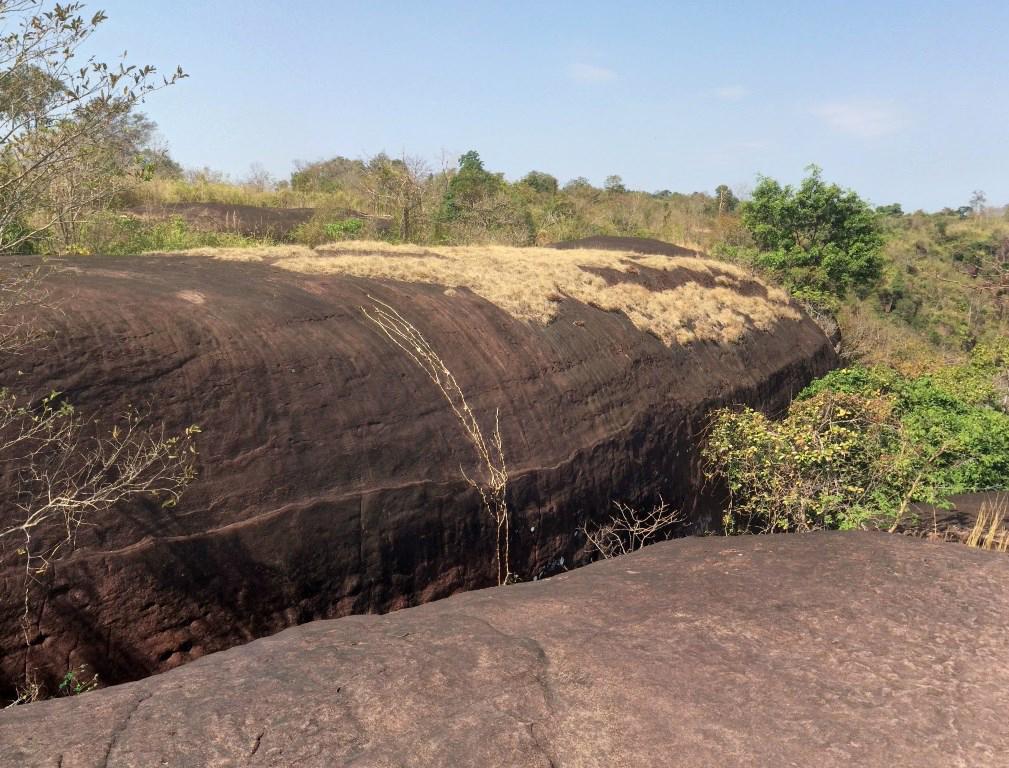 Китовые Скалы