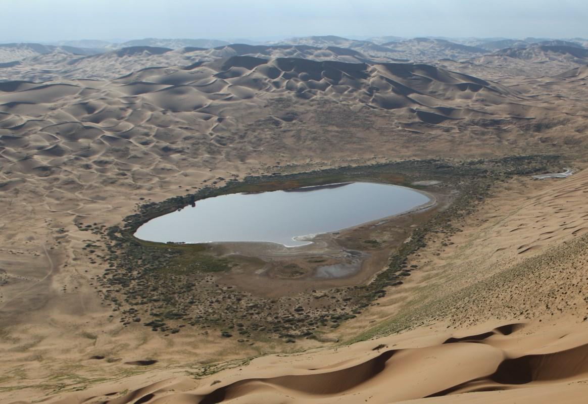 Почему одни из самых высоких барханов Земли не передвигаются на северо-западе пустыни Алашань
