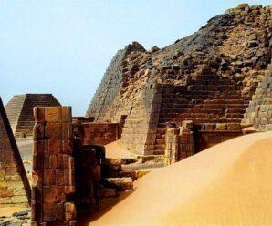 Словно обожженные огнём — почему древние пирамиды Судана такие чёрные